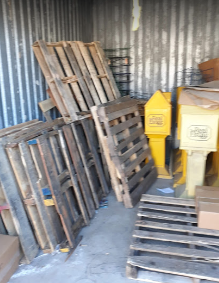 Have junk around your home? Let us clear it out and take it off your hands.