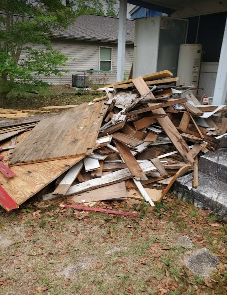 Are you planning a project where you know there will be a lot of garbage or debris? Simply visit us to learn more about how our junk removal services can make your life a whole lot easier, and less stressful.