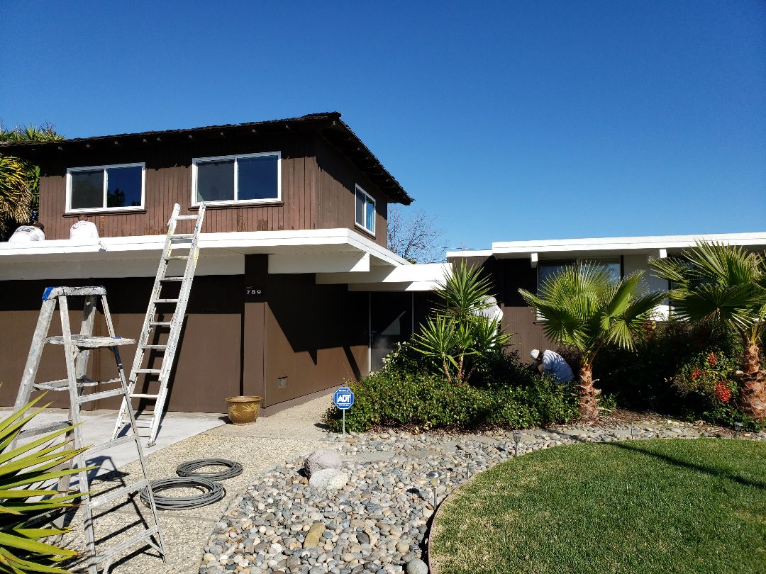 Exterior eichler painting in sunnyvale, CA