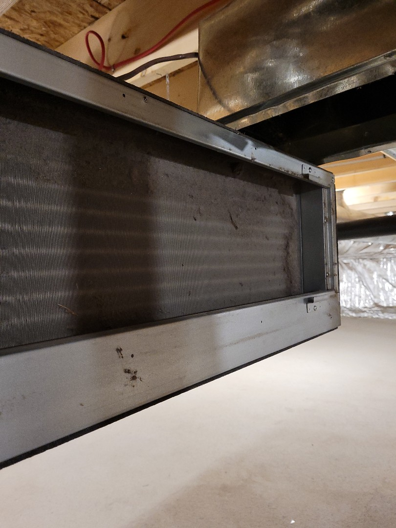 Mill Bay, BC - Cleaning a dirty mini split air handler coil on this LG heat pump here in Mill Bay!