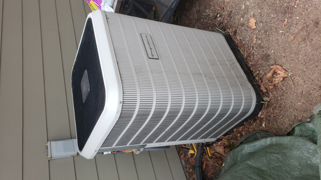 Mill Bay, BC - Heat Pump preventative maintenance completed
