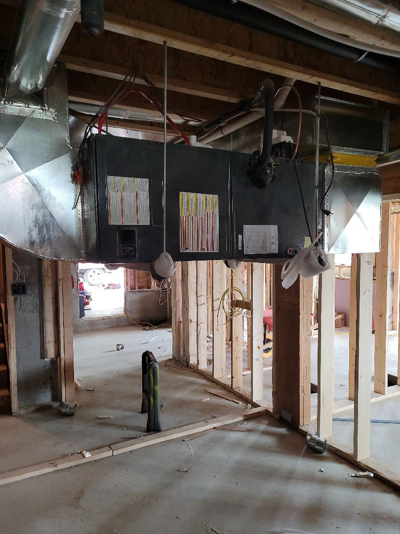 Mill Bay, BC - Diagnosing a faulty indoor TXV on this Goodman heat pump system in Mill Bay!