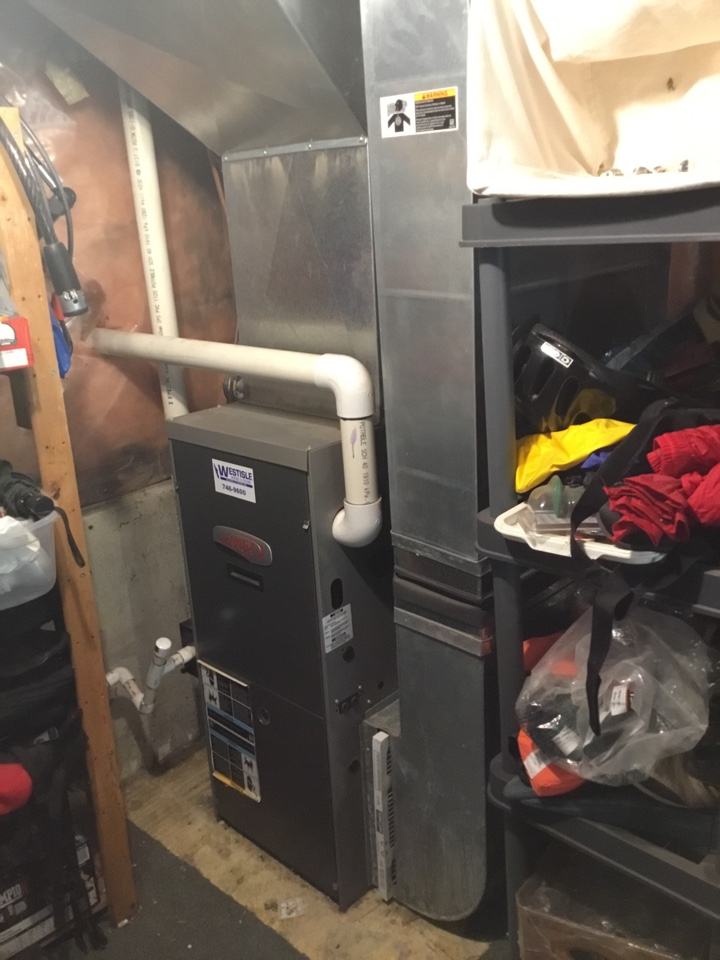 Mill Bay, BC - Performing preventative maintenance on this Lennox gas furnace here in Mill Bay!