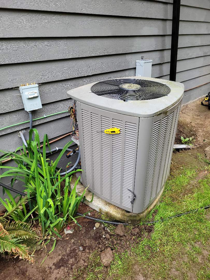 Cobble Hill, BC - Starting up a new Goodman gas furnace out here in Cowichan Bay!