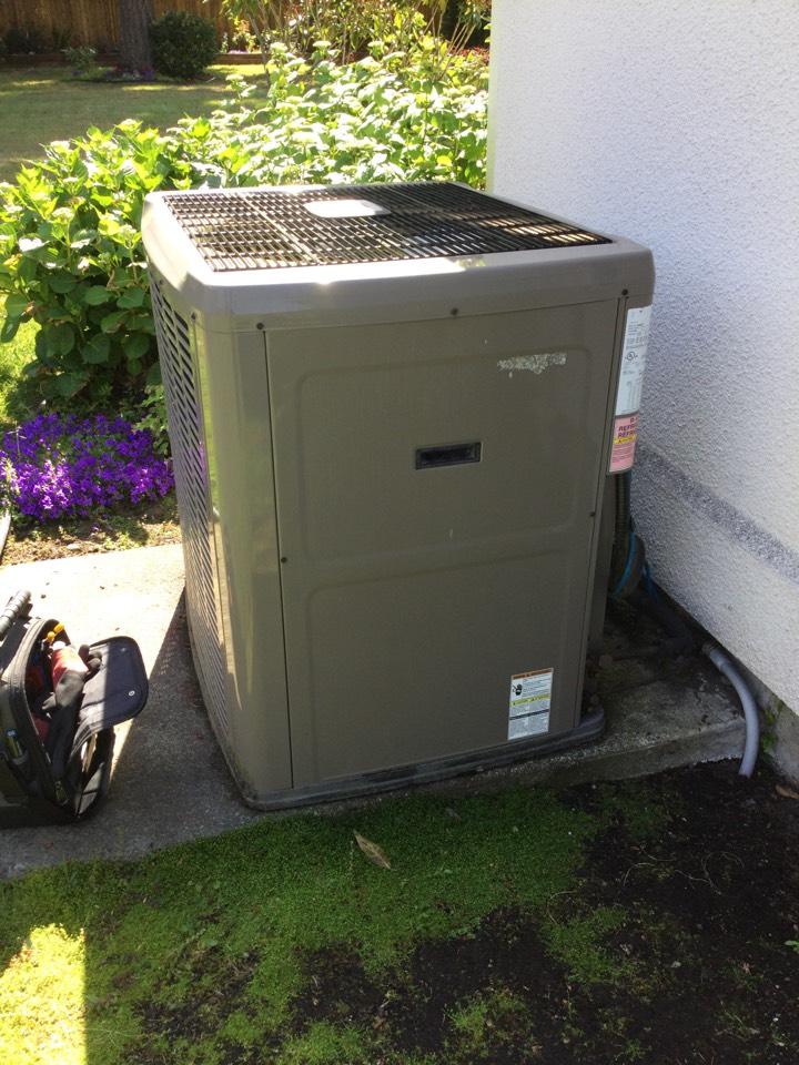 Cobble Hill, BC - Heat pump preventative maintenance
