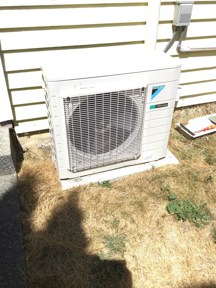Lake Cowichan, BC - Ductless Heat pump preventative maintenance