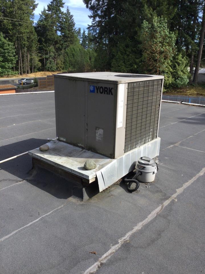 Mill Bay, BC - Rooftop unit diagnostic