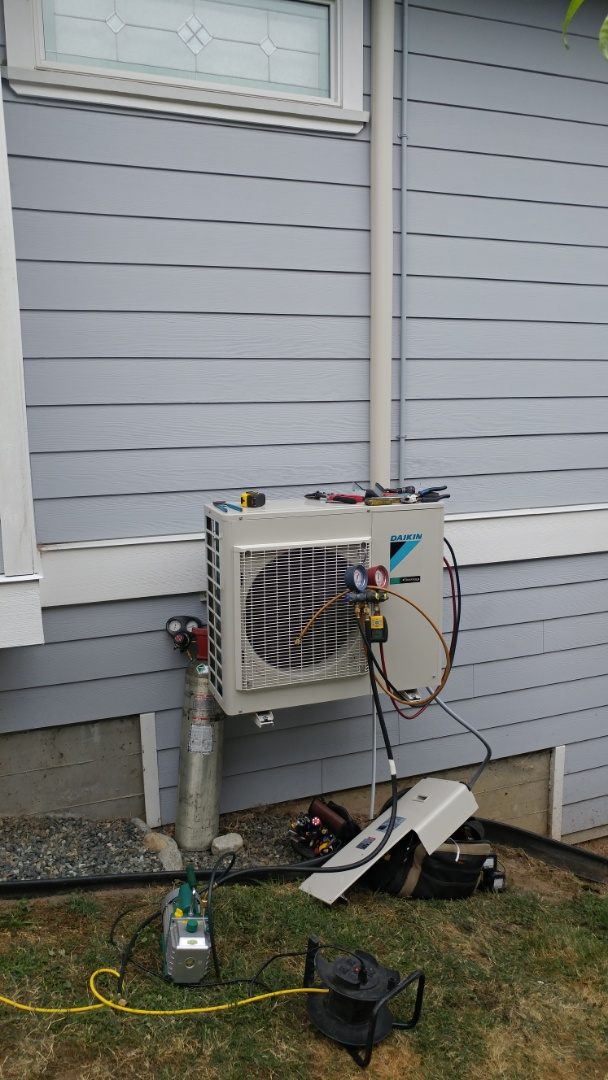 Cowichan Bay, BC - Installing Daikin single head heat pump in Cowichan Bay!