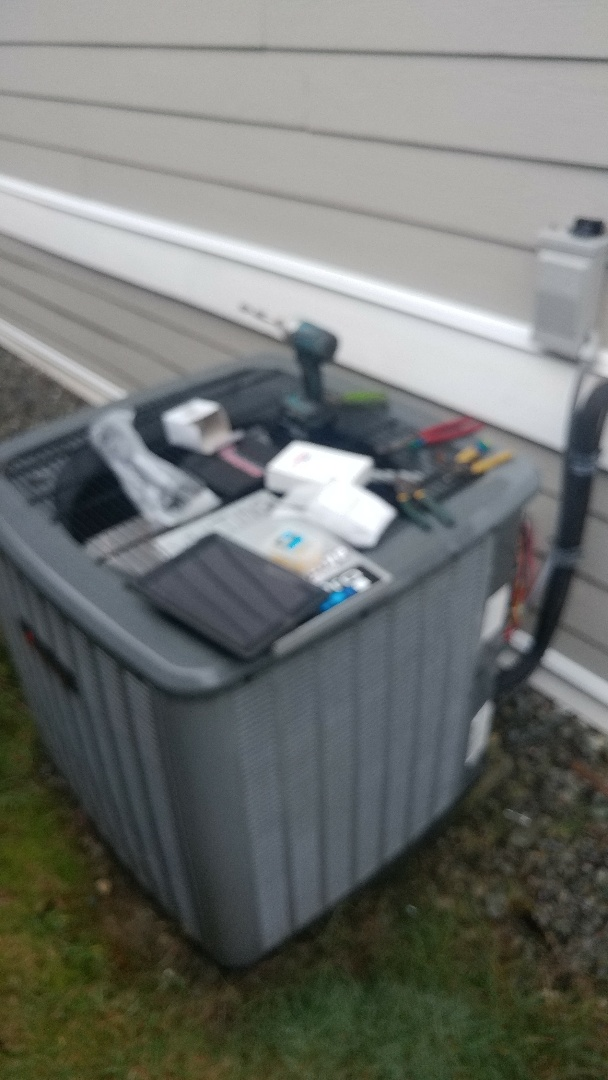 Lake Cowichan, BC - Replacing thermostat and capacitor on an Amana heat pump in Lake Cowichan!