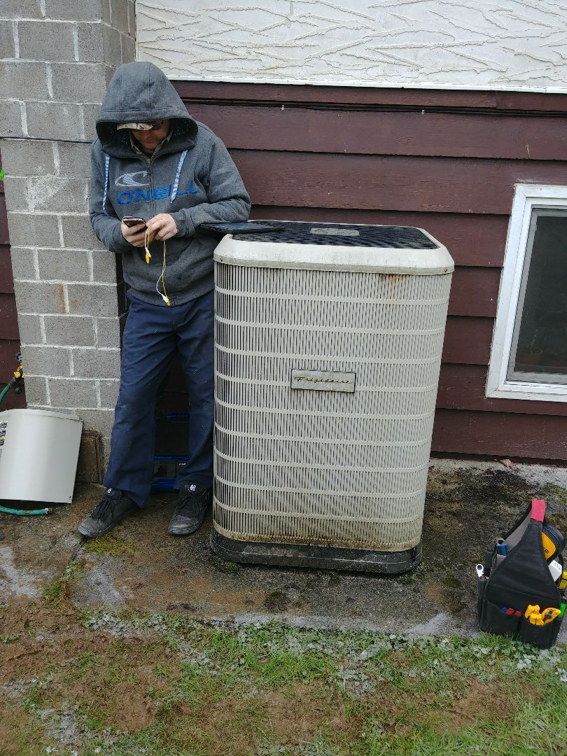 Chemainus, BC - Doing a preventative maintenance on a Nordyne heat pump amd gas furnace
