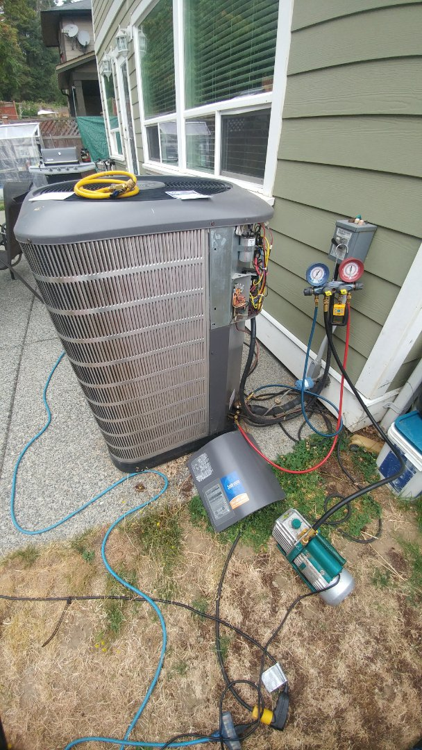 Duncan, BC - Changing out an indoor coil and TXV on a Maytag heat pump in Duncan!