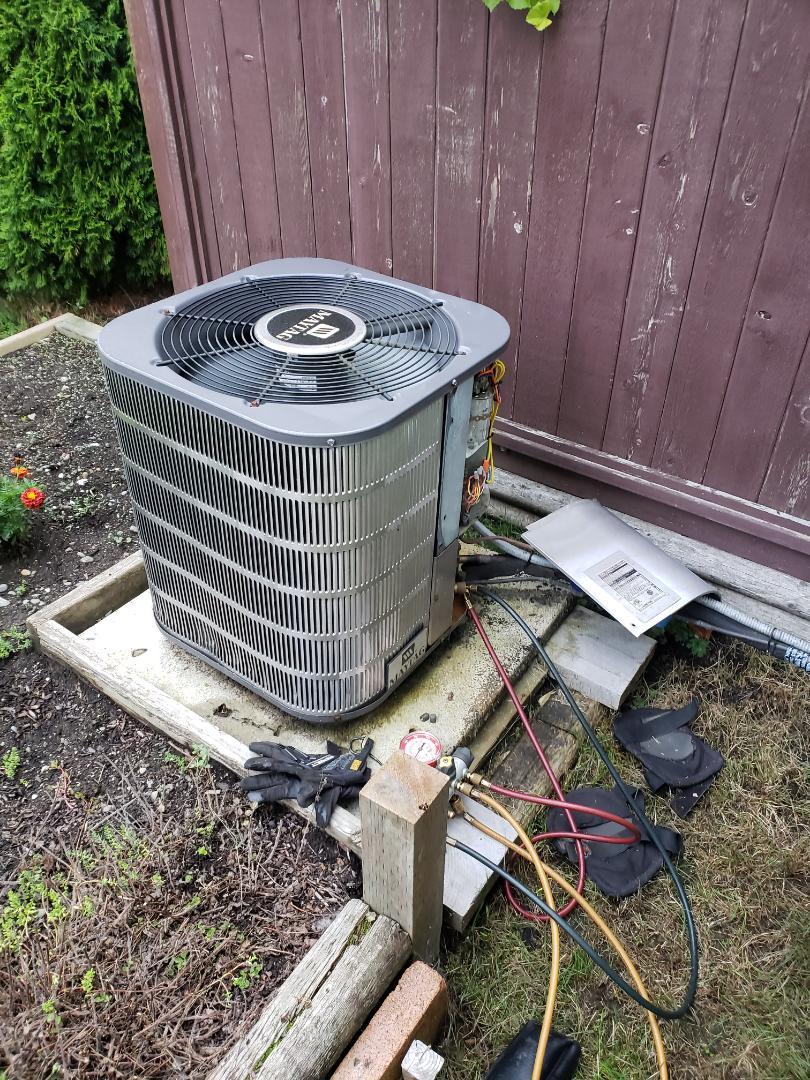 Duncan, BC - Performing a heat pump preventative maintenance on a Maytag heat pump in Duncan BC!