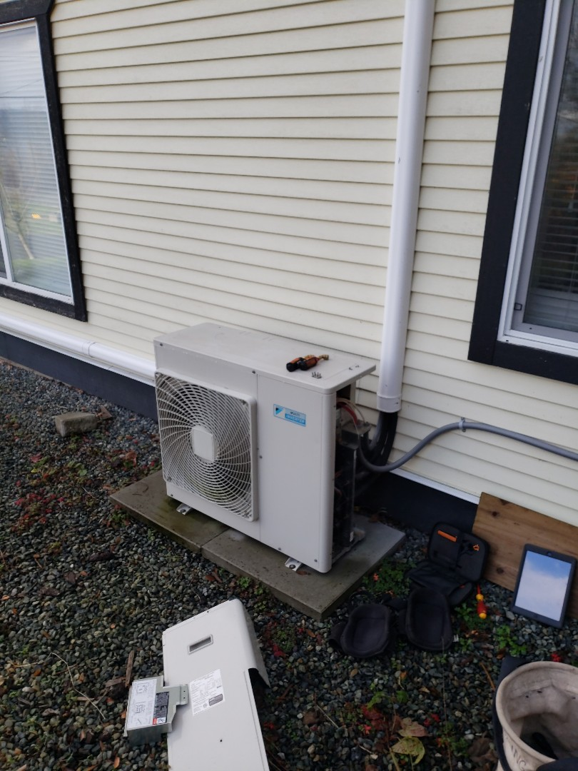 Crofton, BC - Doing a seasonal service as part of our Comfort Plan maintenance on a two head Daikin heat pump system in Crofton!