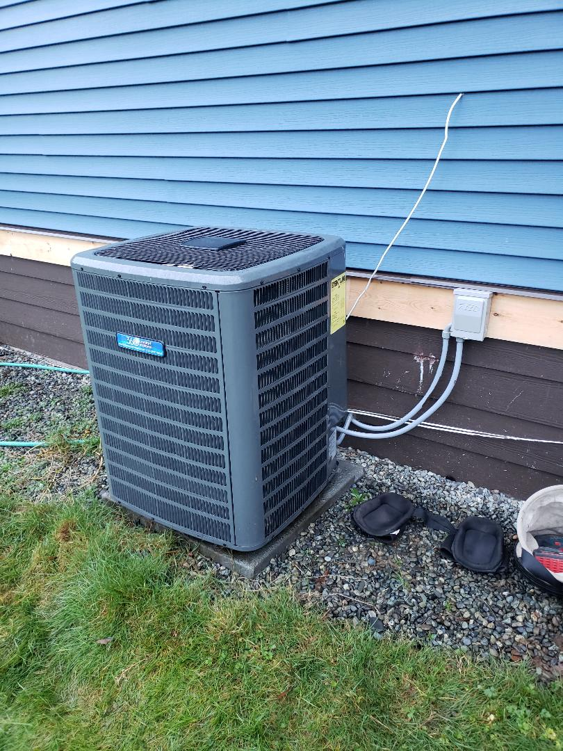 Duncan, BC - Performing a maintenance on a Goodman 2 stage heat pump with electric backup heat in Duncan!