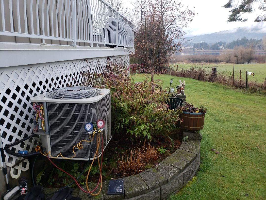 Duncan, BC - Performing seasonal maintenance on a Payne heat pump and Goodman air handler right by Somenos Lake!