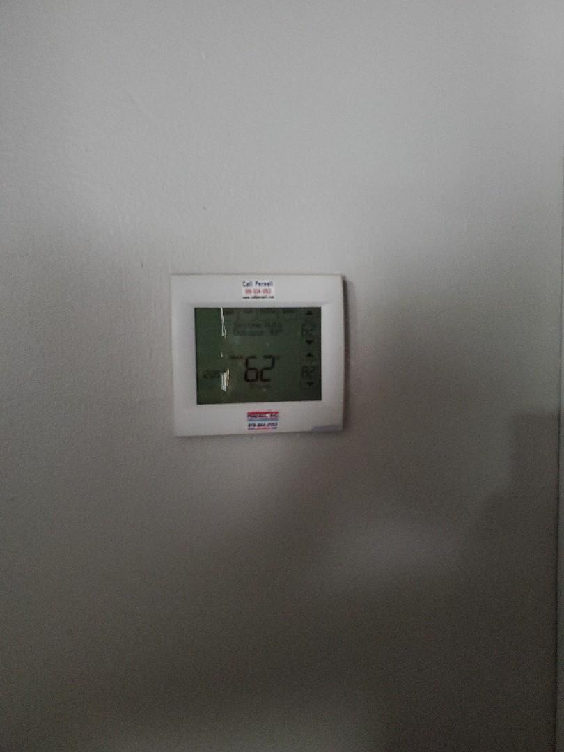 Smithfield, NC - Set schedule on Honeywell thermostat