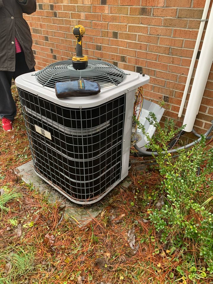 Selma, NC - Heat pump condenser unit freezing