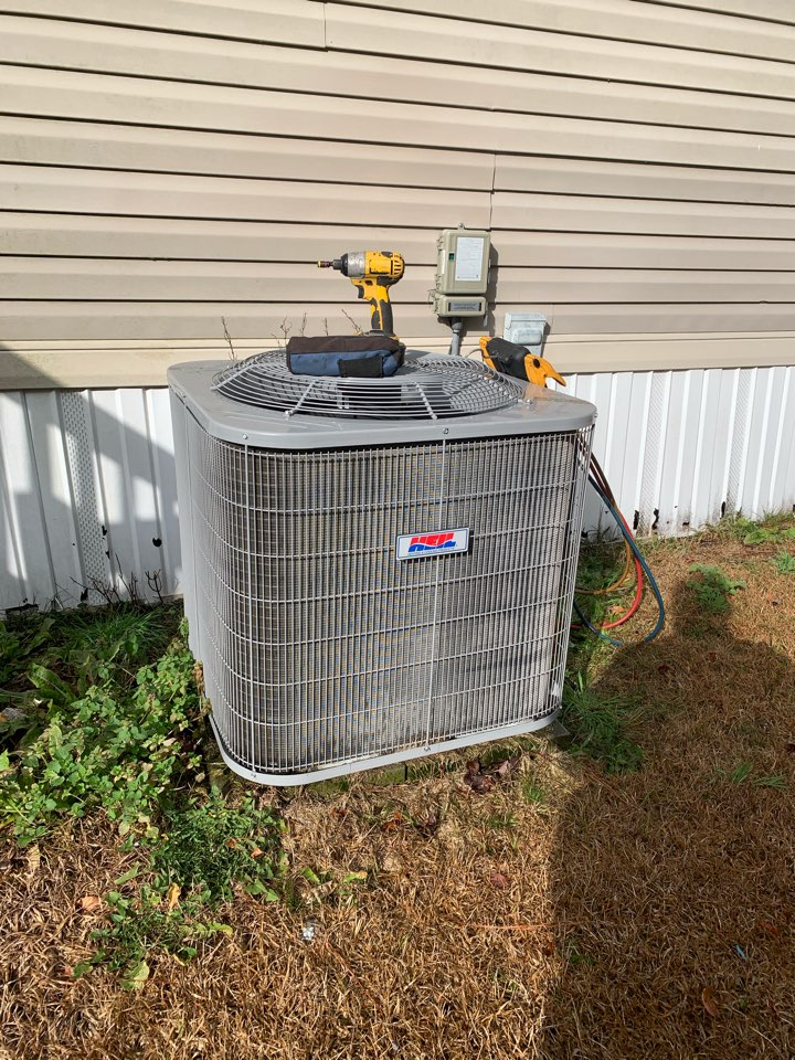 Newton Grove, NC - Condenser heat pump unit freezing