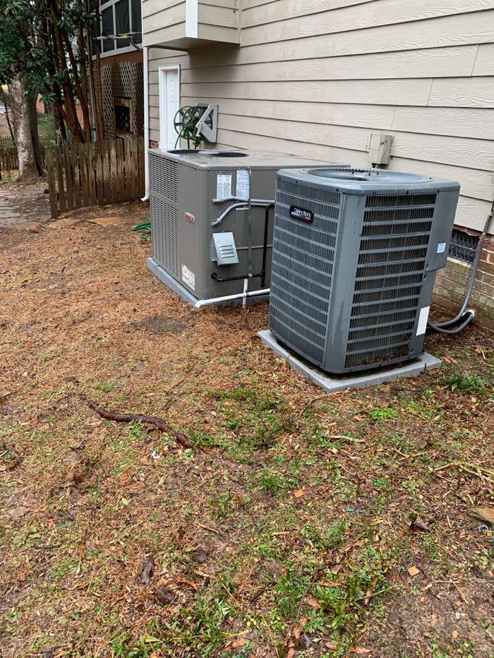 Apex, NC - Not heat at both floor units