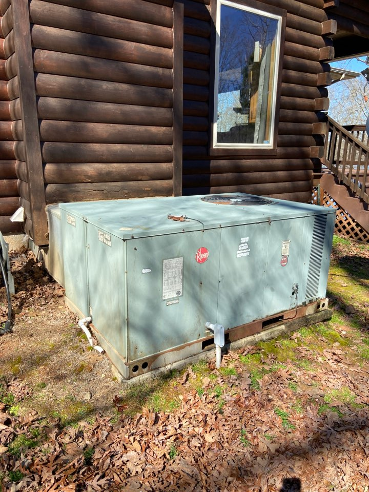 Selma, NC - Rheem HP pack-bad compressor