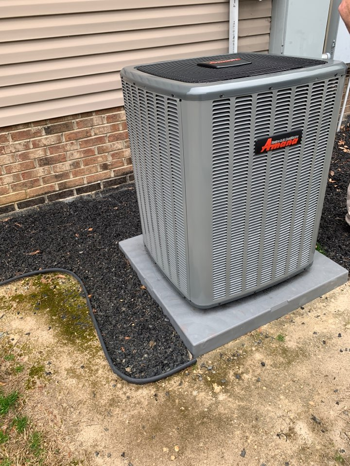 Smithfield, NC - Installed new Amana inverter heat pump