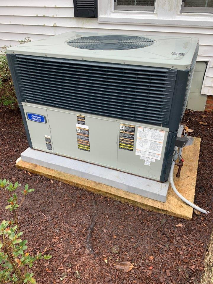 Four Oaks, NC - Performed maintenance on Trane dual fuel package unit