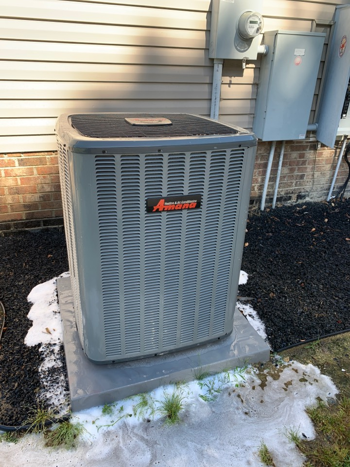 Smithfield, NC - Spring tune up of a 18seer split system