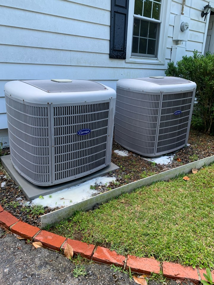 Pine Level, NC - Maintenance performance of two heat pump split system's