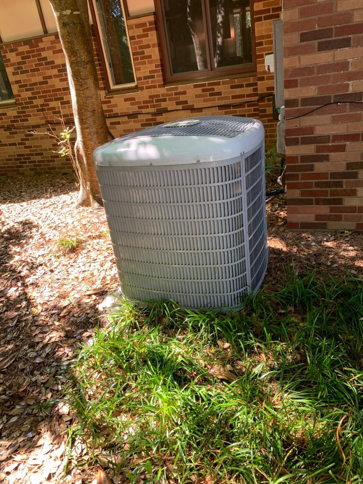 Smithfield, NC - Spring tune up on carrier ac system