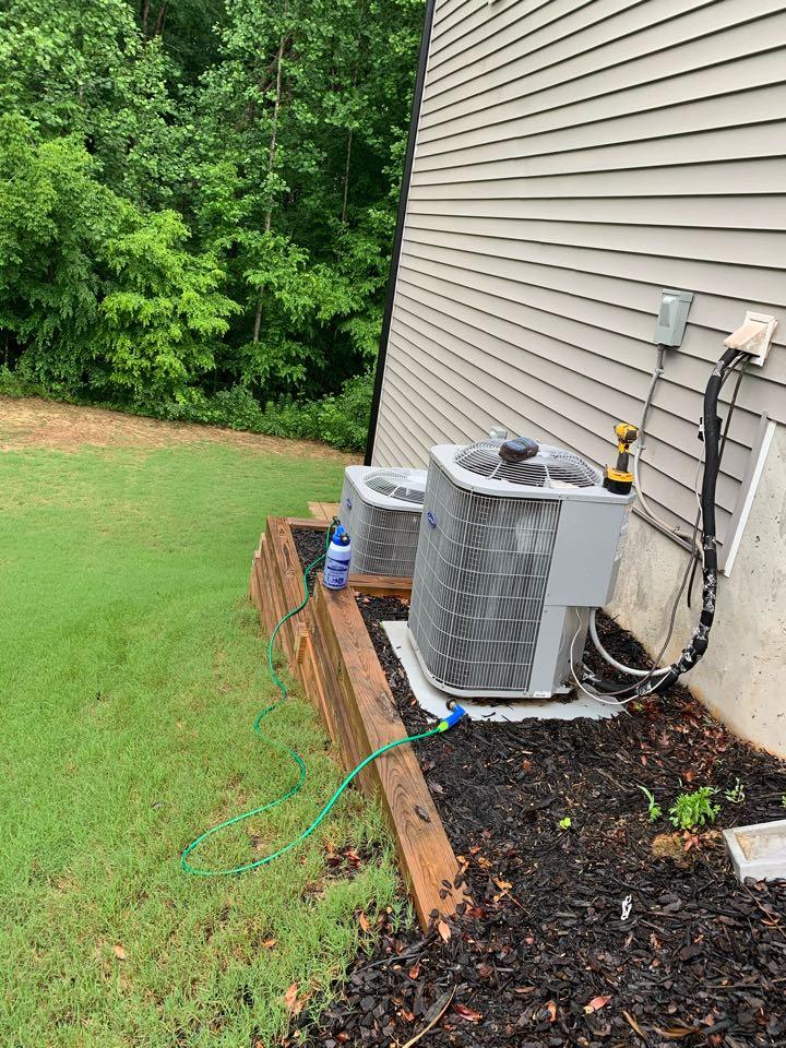 Clayton, NC - Maintenance performance of season at two split system heat pump
