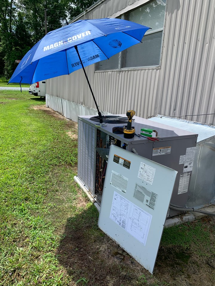 Kenly, NC - Not cooling call