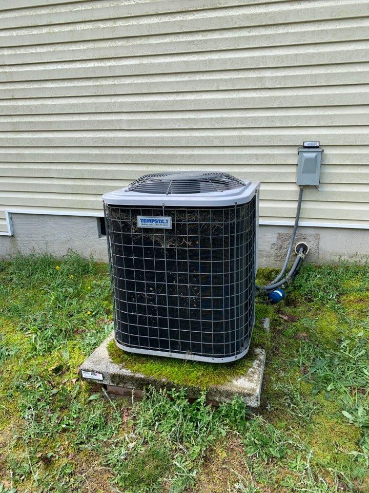 Four Oaks, NC - Tempstar split system not cooling