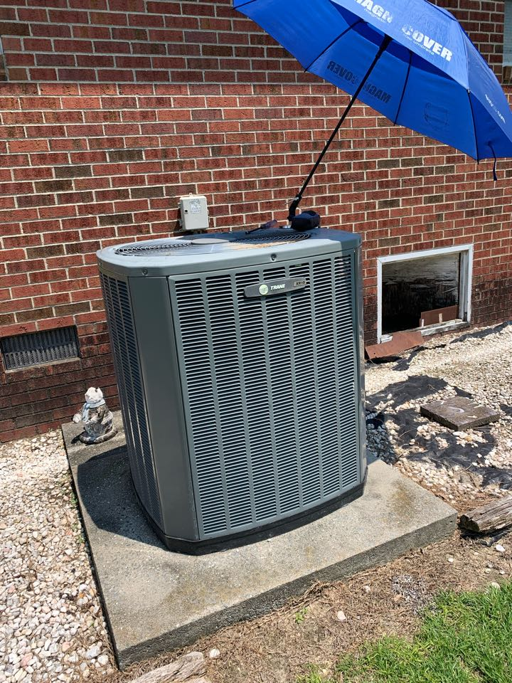Newton Grove, NC - Not cooling call at split heat pump system