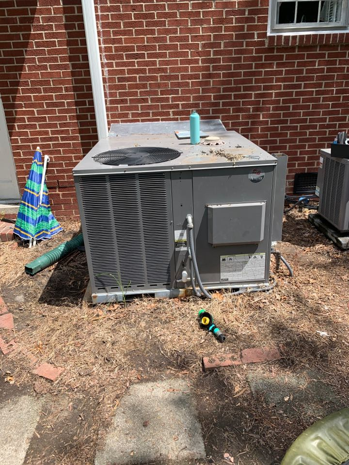 Selma, NC - Rudd package system not cooling