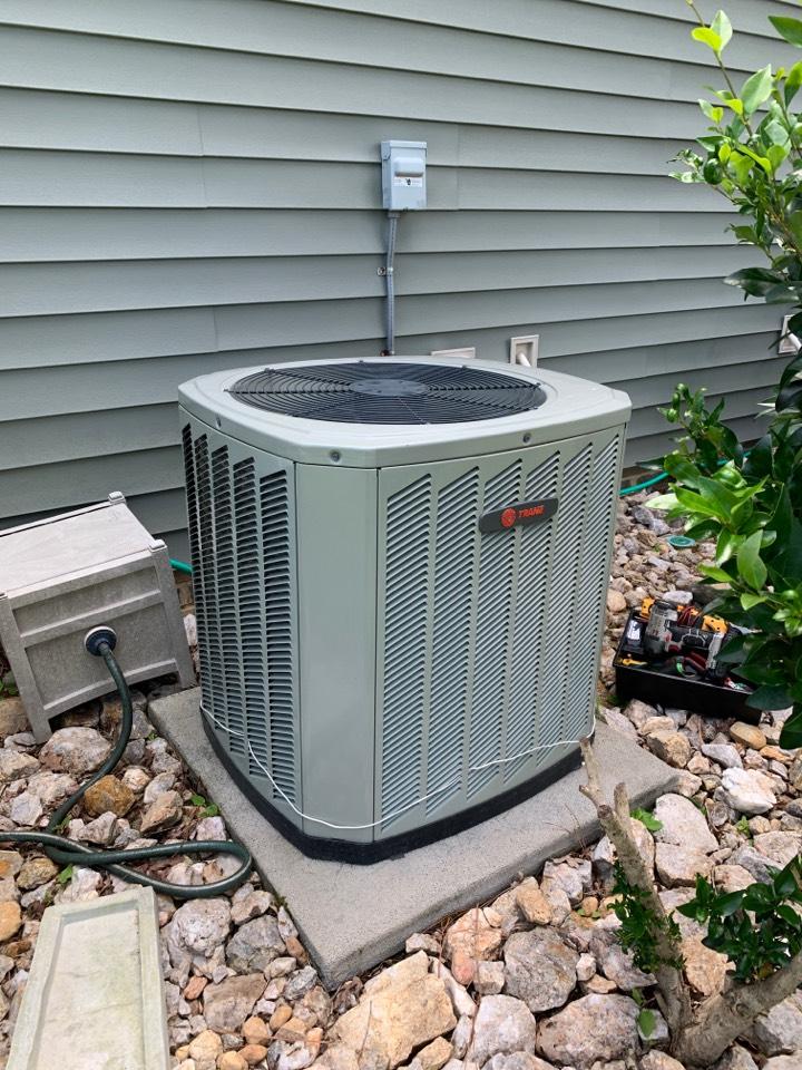 Clayton, NC - Trane split system not cooling