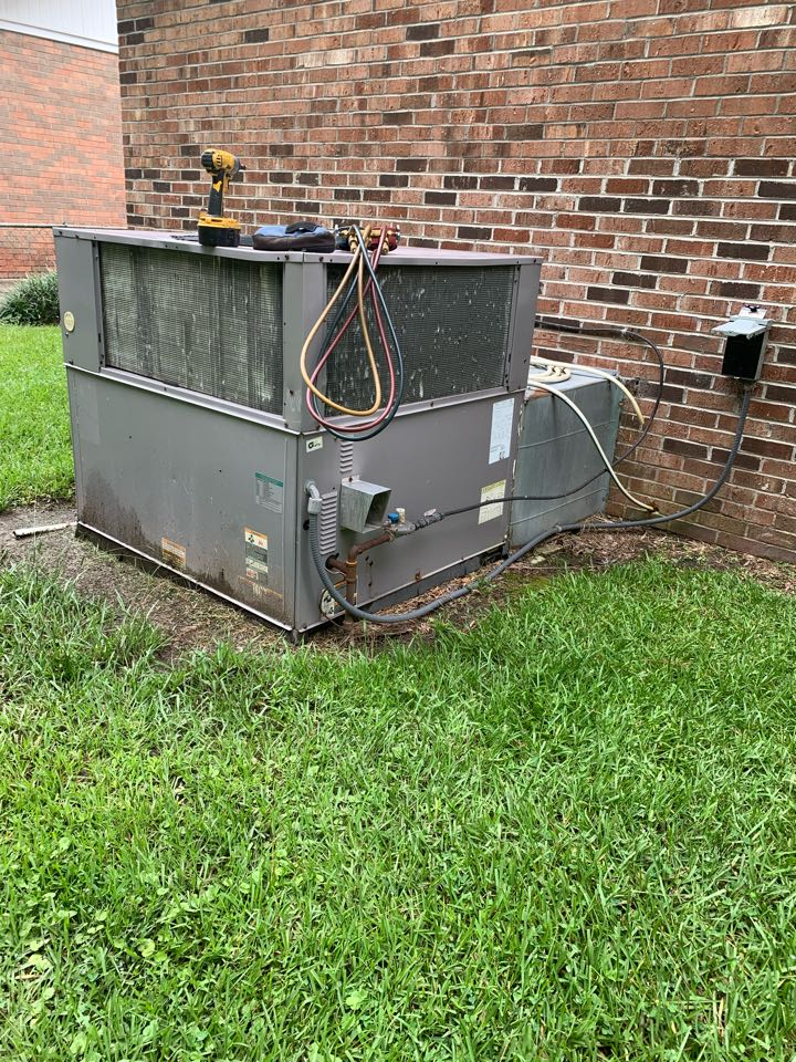Not cooling call at gas pack unit