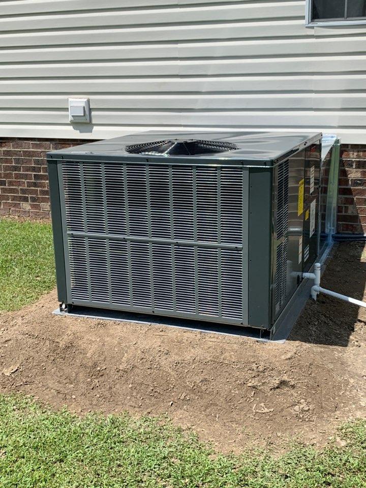Four Oaks, NC - Installed Amana 16 seer heat pump