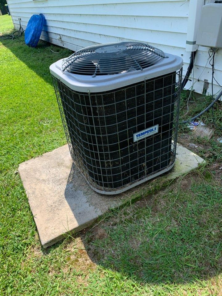 Selma, NC - Not cooling call at split heat pump system temp star