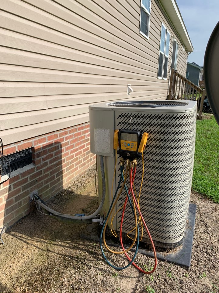 Four Oaks, NC - Not cooling at split heat pump system does module home few years old