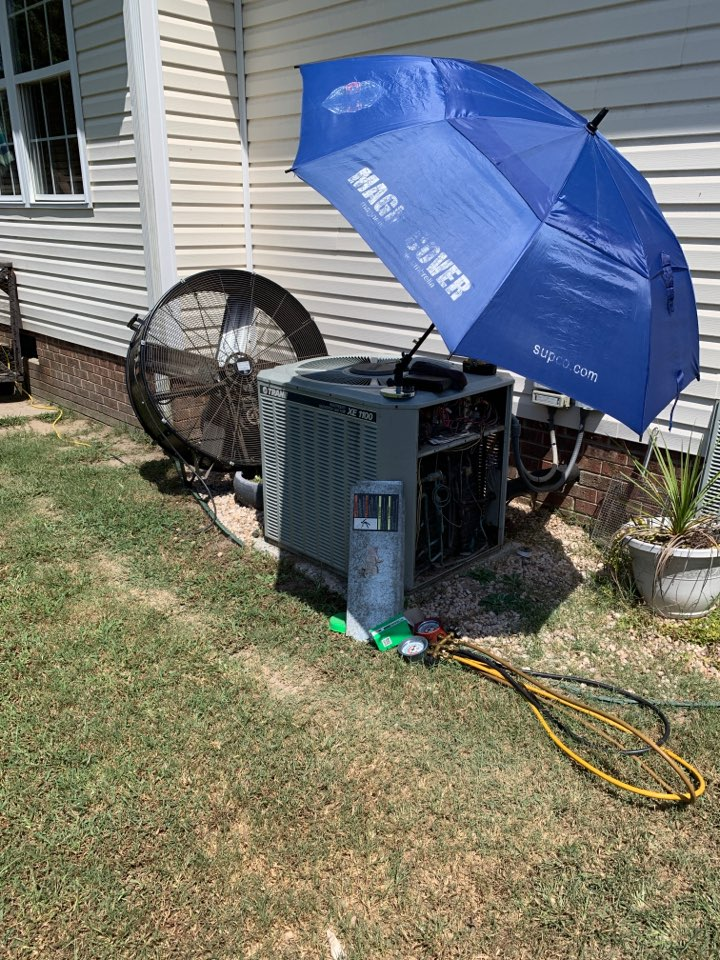 Four Oaks, NC - Not cooling call at new customer have split heat pump system Trane