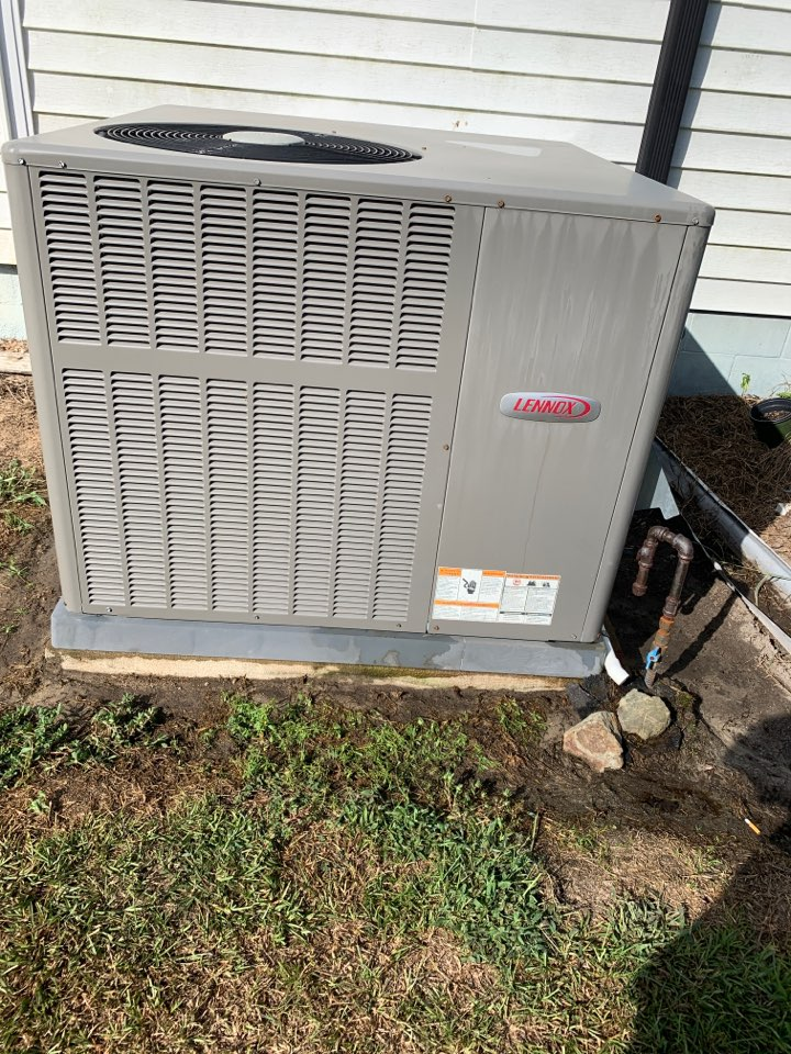 Smithfield, NC - Lennox gas pack clean and check