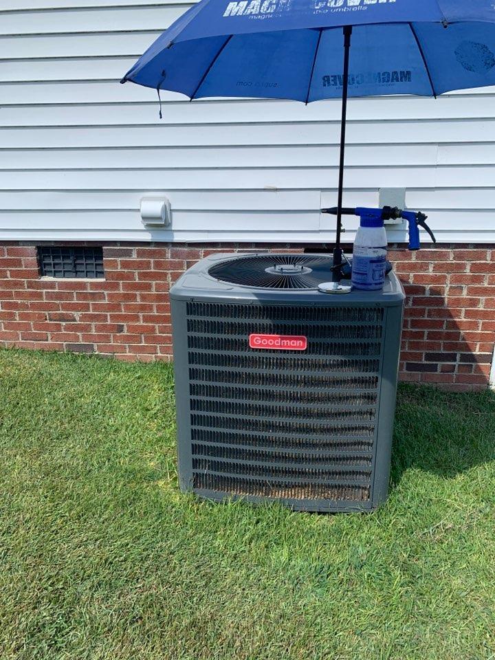 Four Oaks, NC - Maintenance performance at split heat pump system Goodman