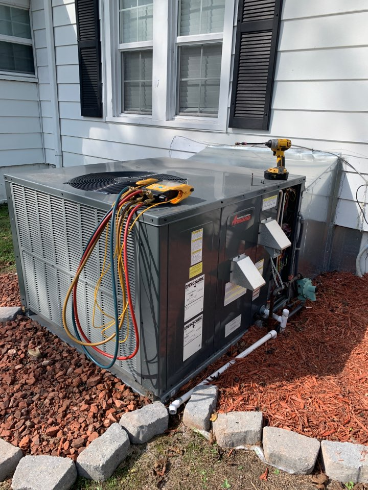 Four Oaks, NC - Not cooling call under warranty unit install last April 2020 Gas pack unit Amana 15 seer