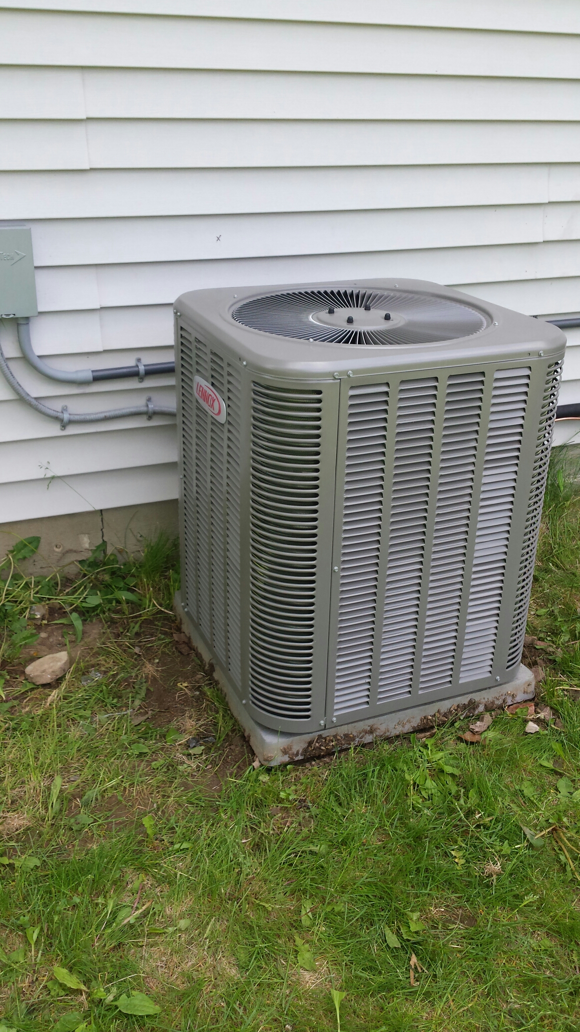 Salem, WI - Installed new lennox 13acx air conditioner