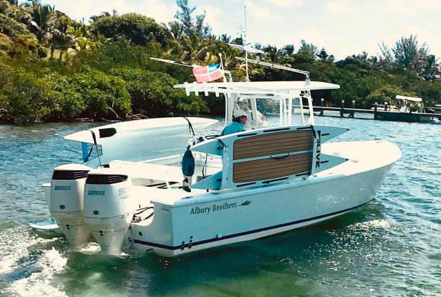 Sarasota, FL - Keep your boat's walkway clear and your passengers safe.