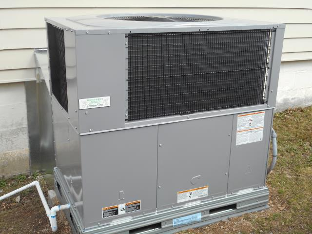 Ashville, AL - An a/c maintenance tune-up was done on an 8 year Heil system in Ashville, AL. Check thermostat, air filter, and airflow.