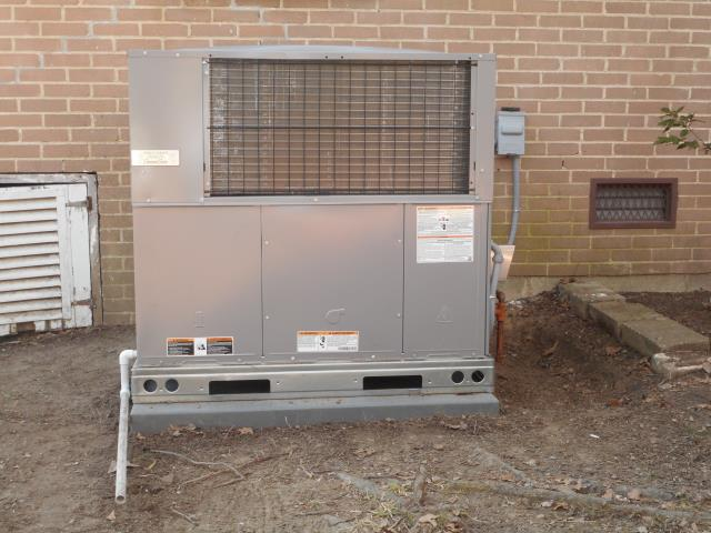 Calera, AL - Did an a/c maintenance check-up in Calera Al on a 2 year American Standard unit. Clean and check condenser coil.