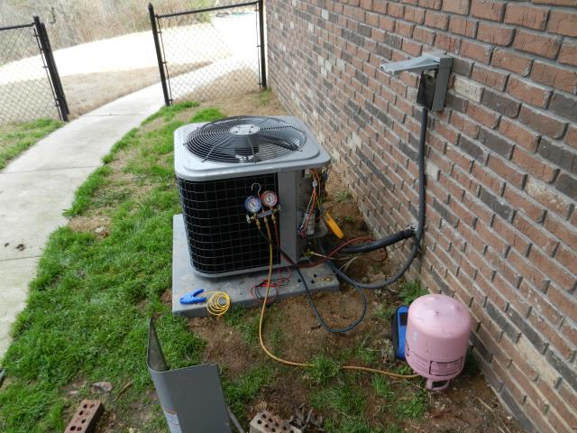 Lincoln, AL - serviced and cleaned 2008 air conditioning unit.