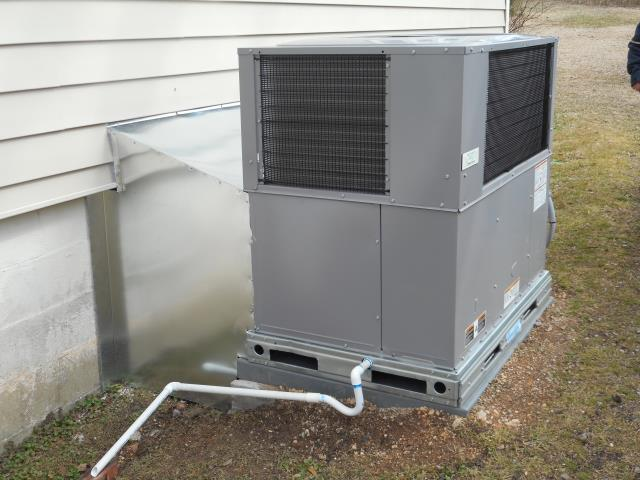 Hueytown, AL - Cleaned and sanitized the Heil air conditioning unit with Zep con-coil cleaner.