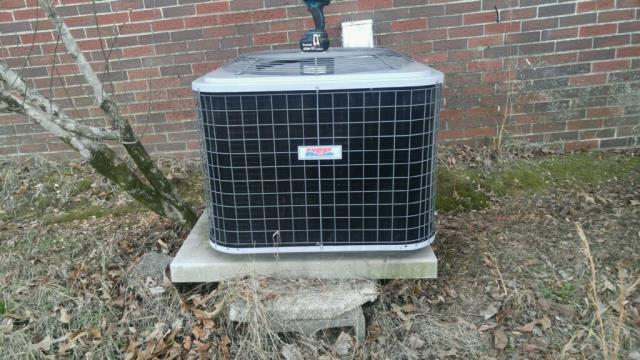 Mulga, AL - Cleaned and safety checked the 2009 Heil air conditioning unit with Zep con-coil cleaner. No repairs needed. Checked ducts for build up.